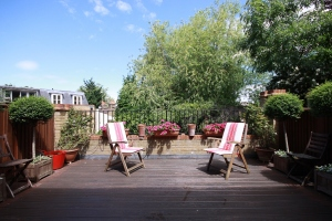 Four bedroom house to rent situated in the heart of Clapham Old Town